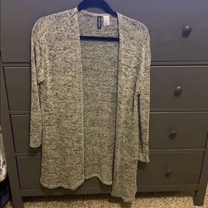 Long cardigan. Worn once. Good condition.